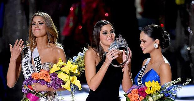 Miss-Universe-2015-Fail-Social-Lite-Communications.jpg