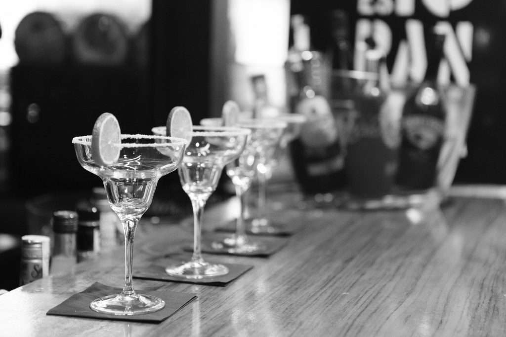 black-and-white-alcohol-bar-drinks-holidays-social-lite-communications